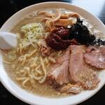 煮干中華 あさり - 辛味そば(味噌)750円税込 少し麺をほぐしてからパチリ!