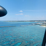 ヨロンの味たら - ☆ヨロン空港に着陸寸前の一枚。ヨロン島には、那覇空港からプロペラ機で約40分で到着する。