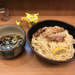 つけ麺 いろは - 料理写真:あっさり鶏醤油つけ麺 特盛 800円(税込)