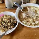 富家 - 料理写真:中華そばと焼きめし。麺リフトしてからなので中華そばは荒れてます。