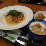 パスタ屋一丁目 - 料理写真:パスタ+ミルクティー+唐揚げ=¥1210