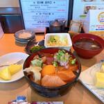 鮨は〜べすと - 料理写真:スペシャルづけ丼 1100円税込   お味噌汁、サラダ、小鉢、デザート付!!