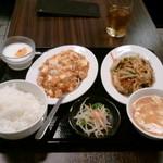 Shoushinshin - お得ランチ850円!牛肉とエノキのオイスターソース炒めも麻婆豆腐もついています。