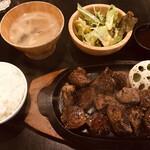 肉が一番 - サイコロステーキ定食=1260円 税込