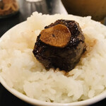 肉が一番 - ガーリックを肉にオン