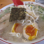 七福亭 - 煮玉子もやしラーメン540円。