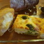 14679967 - ジャーマンポテトとブロッコリーとハムのキッシュ(ランチ前菜)