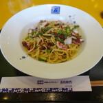 五右衛門 - 料理写真:タコのペペロンチーノ