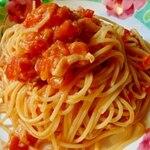 Coffee & Bar オレンジ ルーム - シンプル トマトソースのスパゲッティ