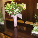 千山苑 - ♡テーブルに綺麗なお花が並んでいます♡