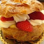 Pomar - 料理写真:ケーキ(名前は忘れてしまいました・・・)