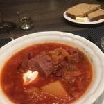 スンガリー - ボルシチと自家製ライ麦パンバターつき