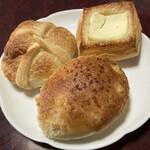 たかたまこむぎ - 焼きカレーパン&あんデニッシュ&フロマージュ