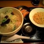 日本橋焼餃子 - タンメンにミニ炒飯に餃子3個の組み合わせ