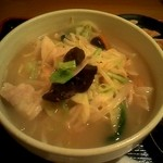 日本橋焼餃子 - タンメンですさっぱりすっきり