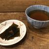 麺や ほり野 - 料理写真:昆布佃煮とほうじ茶