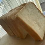 ブローニュ - 朝食用の食パンも。