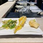 天ぷらとワイン 大塩 - 山菜3種と鱈白子