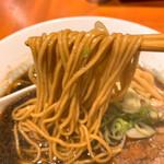 146832384 - 【2021年2月】山椒ブラック@850円、麺アップ。