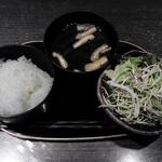 香季庵 - サラダ、ご飯、味噌汁