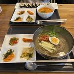 韓国料理 内房 -