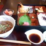 長寿庵 渡邊 - 松花堂弁当とおそば(かけ又はたぬき)