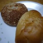 手作り パン工場 ロアール - カレーパンとクリームパン