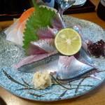 久六 - 秋刀魚のお造り