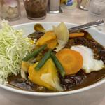 カレーショップ 酒井屋 - 温玉野菜カレー 700円です