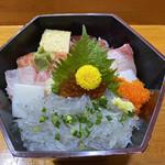 喜久寿司 - 海鮮丼