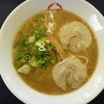 一久 - 料理写真:じっくり煮込んだスープで作ったラーメン