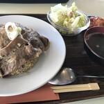 焼肉と宅配弁当 えぇ五郎 -