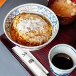 """久霧 - 料理写真:""""炸豬排蓋飯(かつれつどんぶりめし)"""""""
