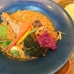 スープカレー トレジャー - 定番煮込みチキンレッグ(山の幸スープ)(1270円)