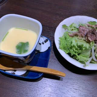 一休 - フィレ御膳のサラダ、茶碗蒸し