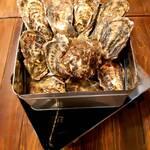 大漁旗 - 牡蠣のガンガン焼