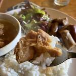 カフェ 鎌倉美学 - シーチキン感あふれるチキンカレー