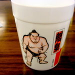 Sala - 水のコップがなぜに相撲関係?