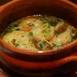 RIGOLETTO TAPAS LOUNGE - 料理写真:小海老のアヒージョ