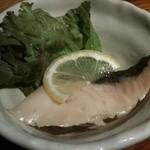 絆家本舗 - お通し…なんのお魚だったかなぁ〜