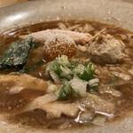 ヌイユ - 鴨とフォアグラの、チーズみそ拉麺