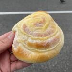 ブール - 料理写真:ふわふわクリーム