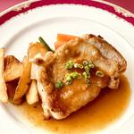 カジュアルレストラン ワインクラブ - 料理写真:山梨健味鳥のソテー