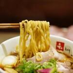 和 dining 清乃 - 麺は若干細めの平打ち