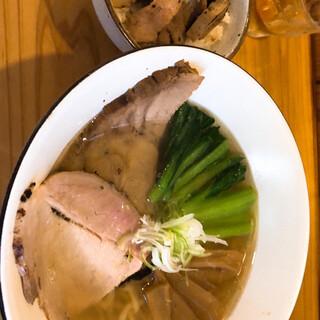 中華そば トランポリン - 料理写真: