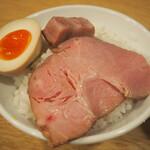 146919206 - レアチャー&煮玉子 オンザライス