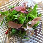 PASTA HOUSE AWkitchen FARM - いちごと生ハム  奈良県山口農園の有機野菜サラダ
