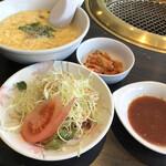 焼肉 永野牧場 - 料理写真:セットのサラダ、スープ、キムチ。(^-^)