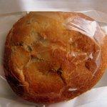 風の邱 焼きたてパン工房 - 【2012.8.26】糸島産博多和牛カレーパン(190円)は焼きカレーパンです。