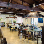 ヨロンの味たら - ☆レストラン内は島の雰囲気があり素敵な空間である。